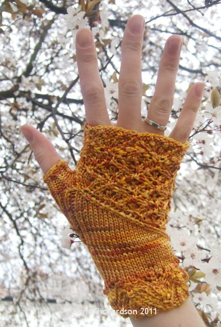 Knitting Pattern Gauntlet Gloves : Loom Knit Fingerless Gloves Gauntlets Pattern Auto ...