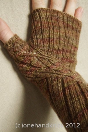 Curlicue Gloves - Knit Now, Iss 16 Dec 2012